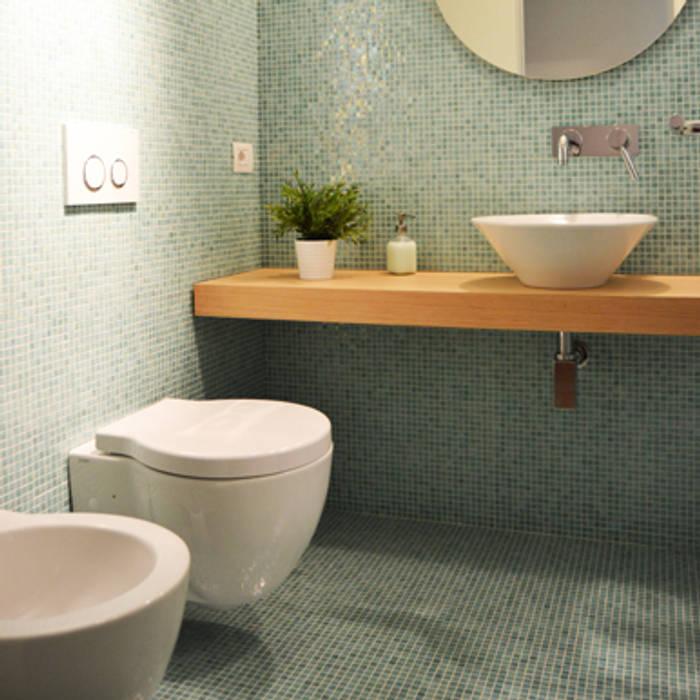 BAGNO : Bagno in stile in stile Moderno di architetti:sabrina romani, cosimino casterini, stefania palanca