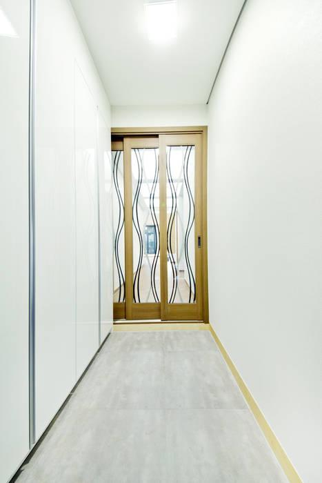Koridor dan lorong oleh GongGam Urban Architecture & Construction, Skandinavia