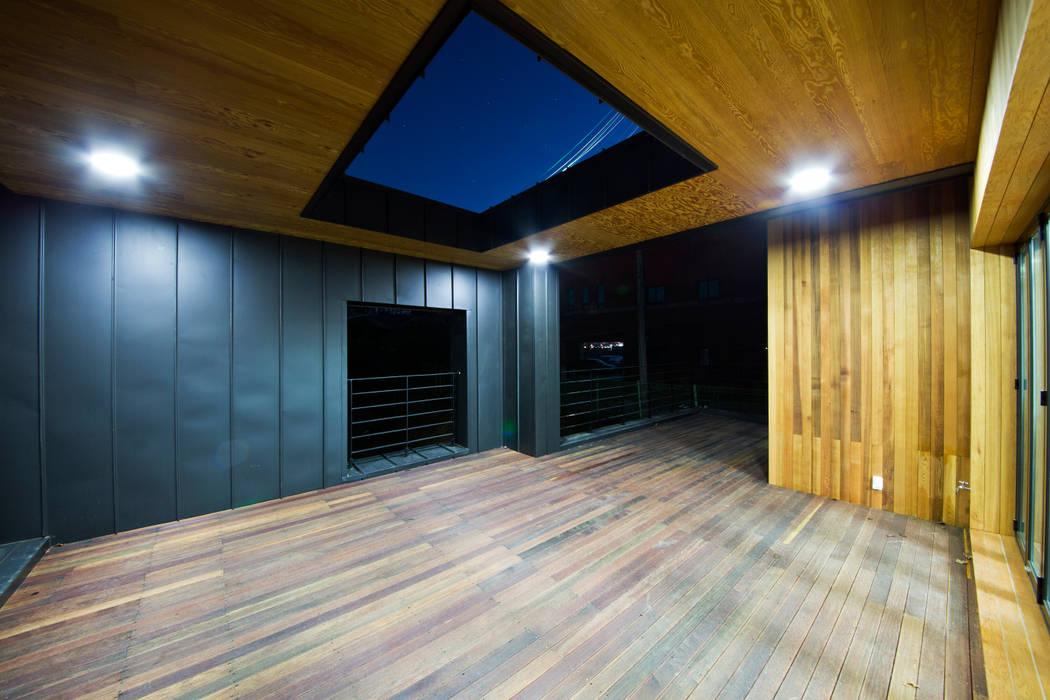 Salas / recibidores de estilo  por GongGam Urban Architecture & Construction, Escandinavo