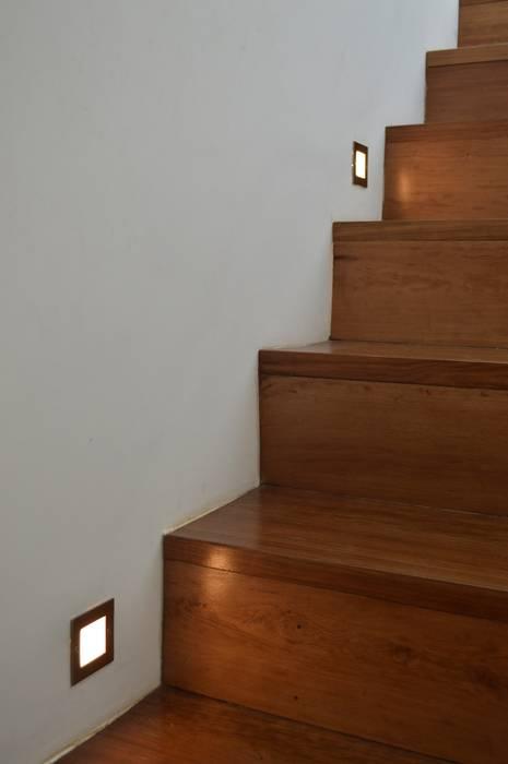 Reforma y ampliación Casa Bergallo: Pasillos y recibidores de estilo  por DDARQ3D