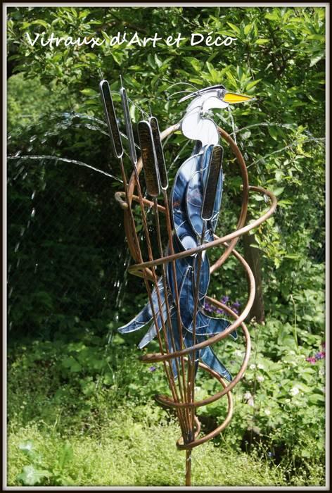 Héron cendré: Jardin de style de style eclectique par Vitraux d'Art et Déco