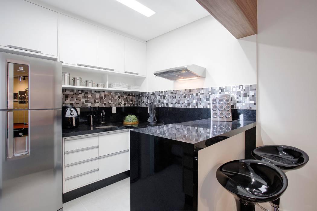 Apto. 64m²: Cozinhas clássicas por Andressa Saavedra Projetos e Detalhes