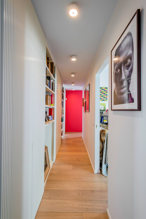 Eclectic style corridor, hallway & stairs by cristianavannini | arc Eclectic