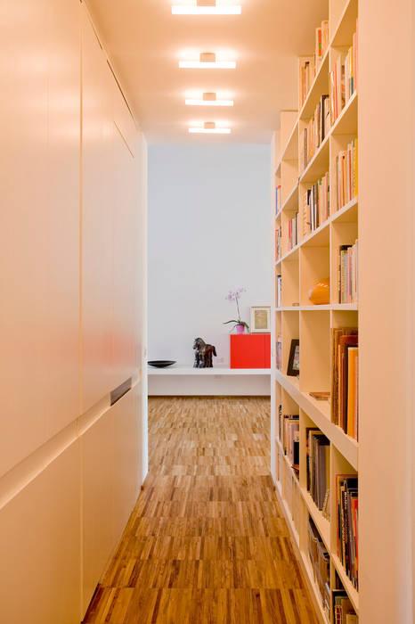 Modern Corridor, Hallway and Staircase by cristianavannini | arc Modern
