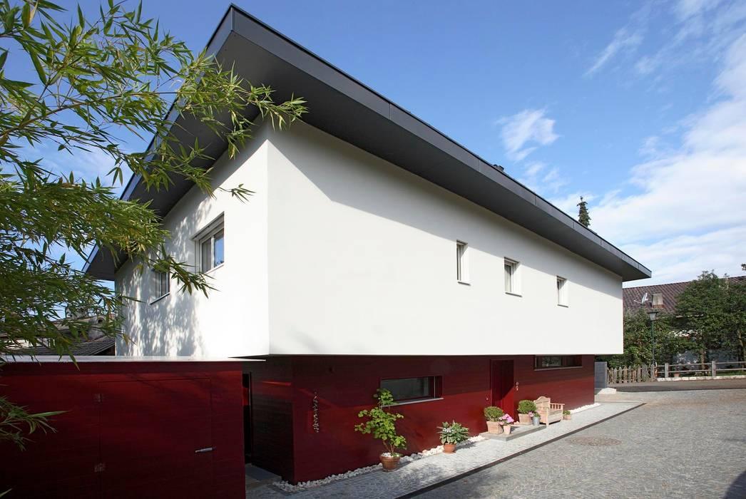 Casa unifamiliare Fié 01: Case in stile in stile Moderno di Arch. Gertrud Kofler