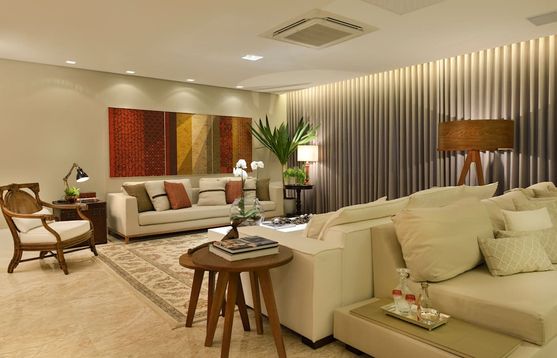 Eclectic style living room by Bastos & Duarte Eclectic