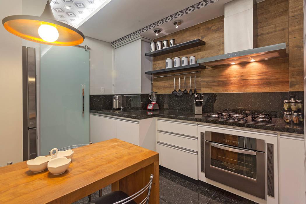 Moderne Küchen von Laura Santos Design Modern