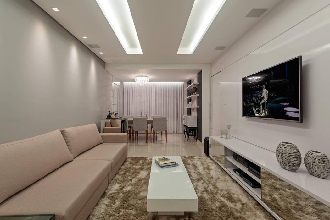 Moderne Wohnzimmer von Laura Santos Design Modern