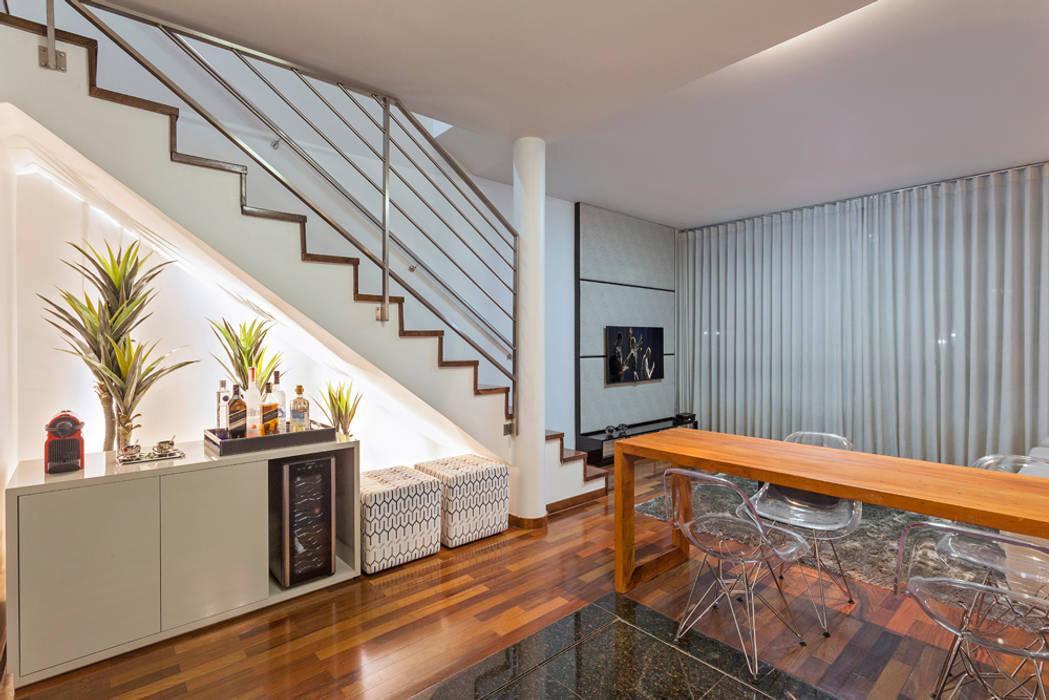 Loft Duplex Laura Santos Design Salas de jantar modernas