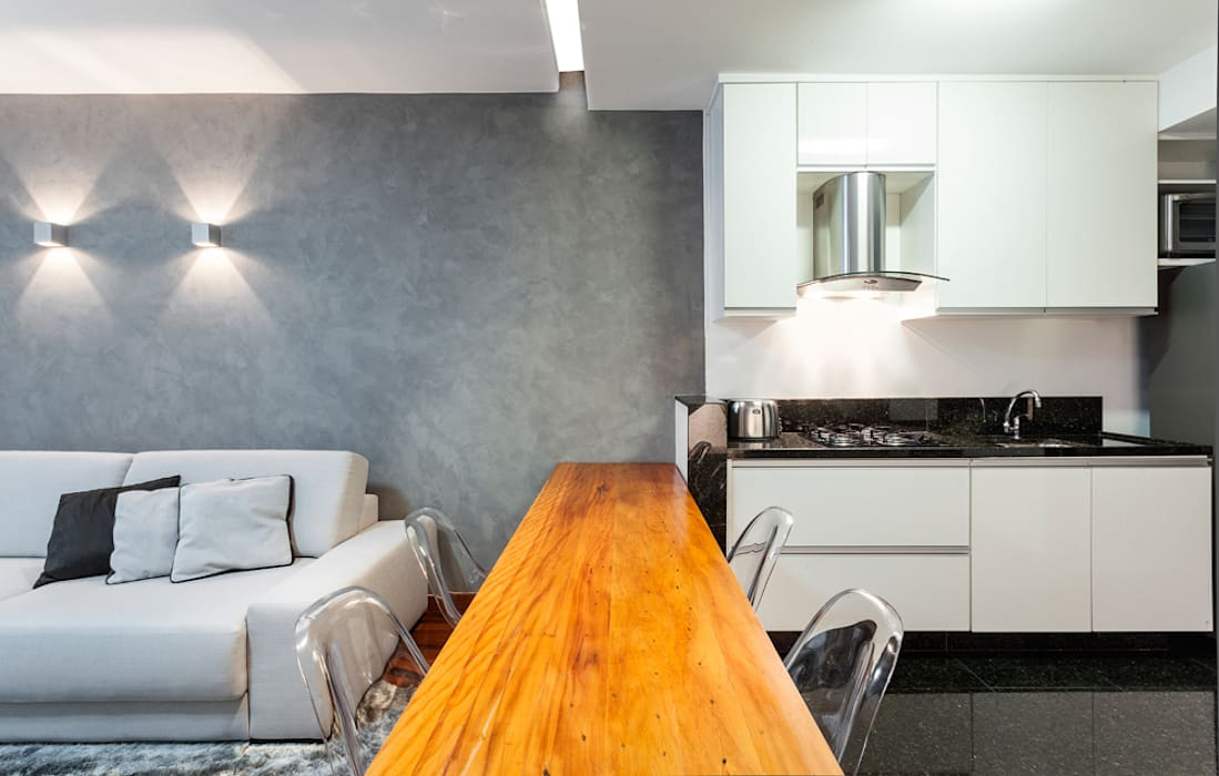 Modern dining room by Laura Santos Design Modern
