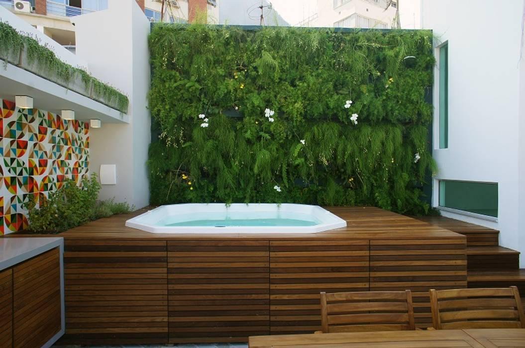 Casas modernas: Ideas, imágenes y decoración de Adoro Arquitetura Moderno Madera Acabado en madera