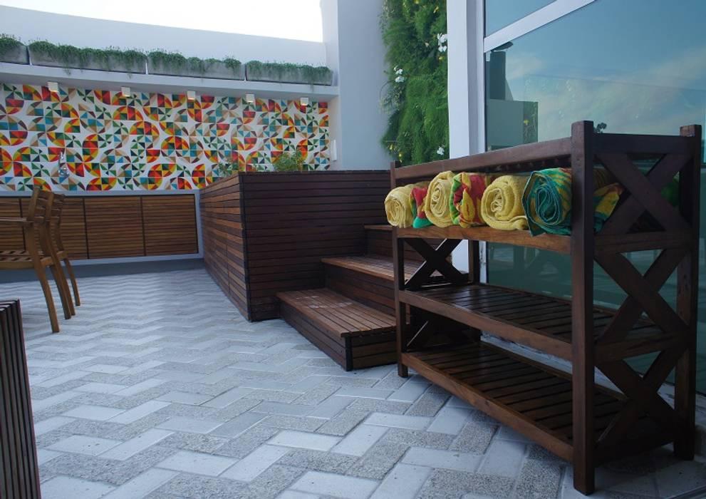 Casas estilo moderno: ideas, arquitectura e imágenes de Adoro Arquitetura Moderno Madera Acabado en madera