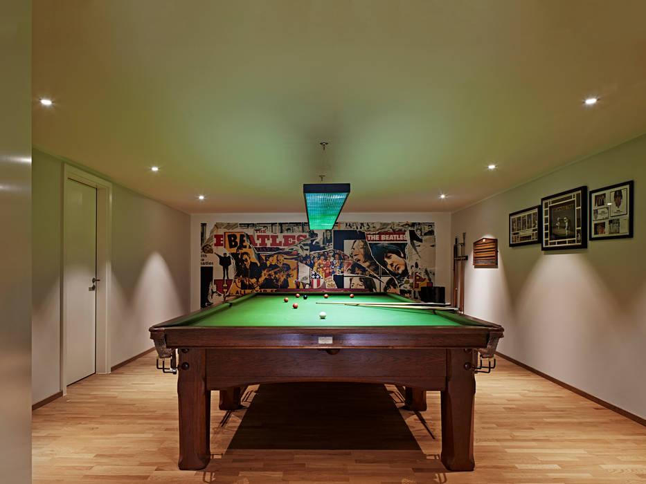 Urban Home Imagine Baufritz (UK) Ltd. Salle multimédia moderne