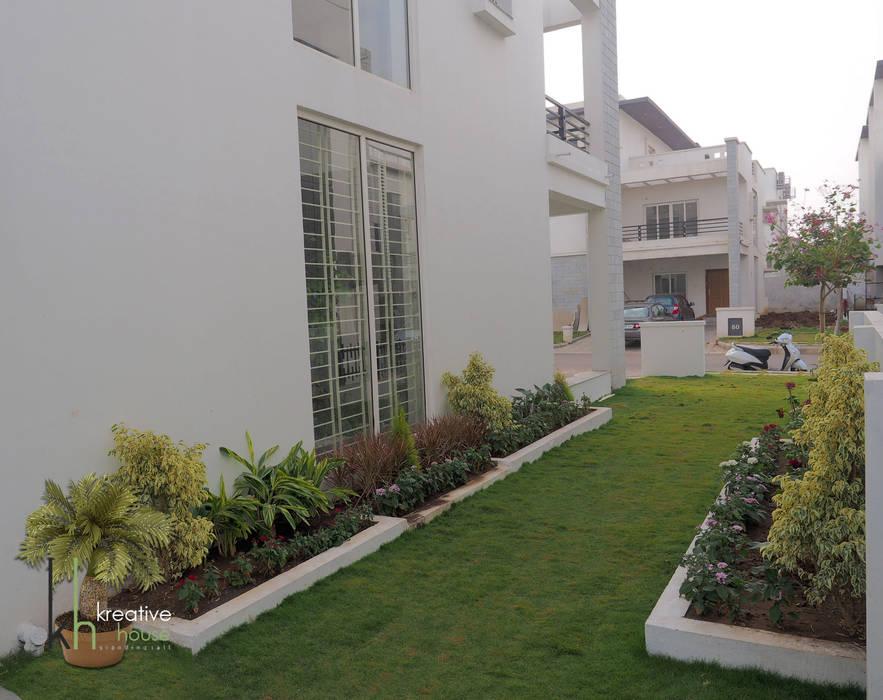 Сад в эклектичном стиле от KREATIVE HOUSE Эклектичный