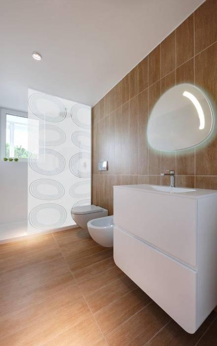 MARINA VERDE WELLNESS RESORT: Hotel in stile  di GLIP | The Lighting Partner