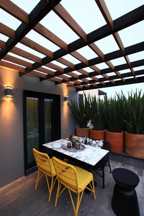 Modern Terrace by Germán Velasco Arquitectos Modern