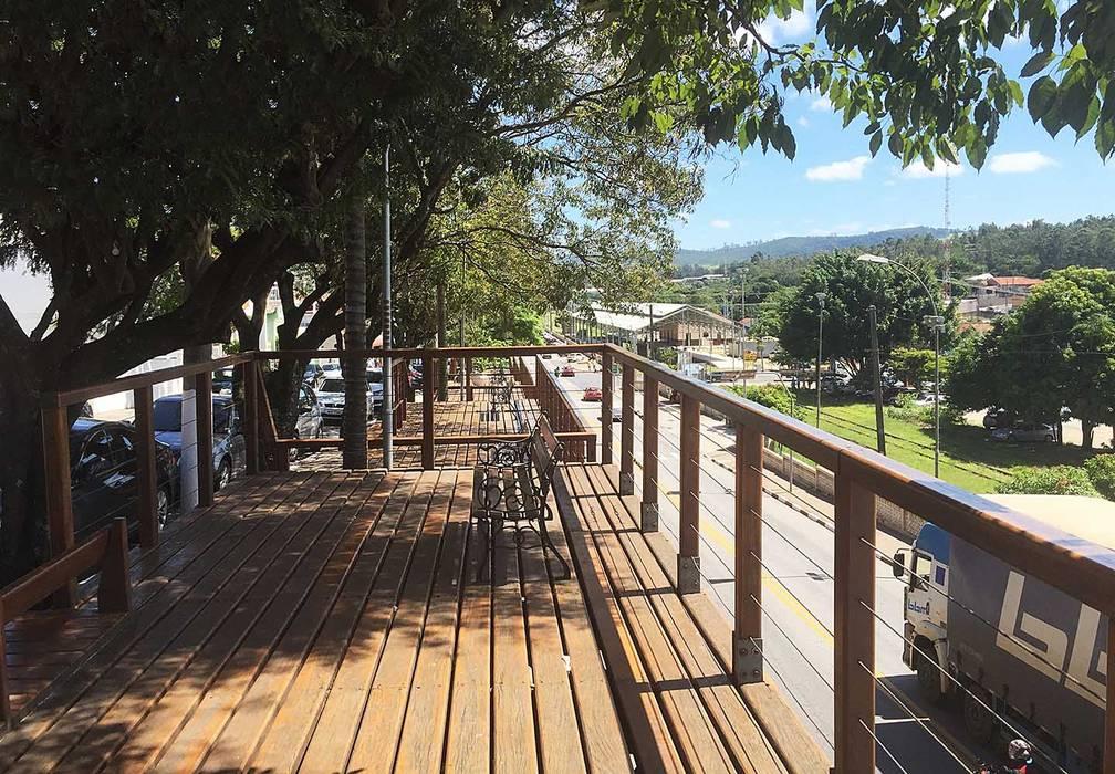 Rustic style event venues by Douglas Piccolo Arquitetura e Planejamento Visual LTDA. Rustic Solid Wood Multicolored