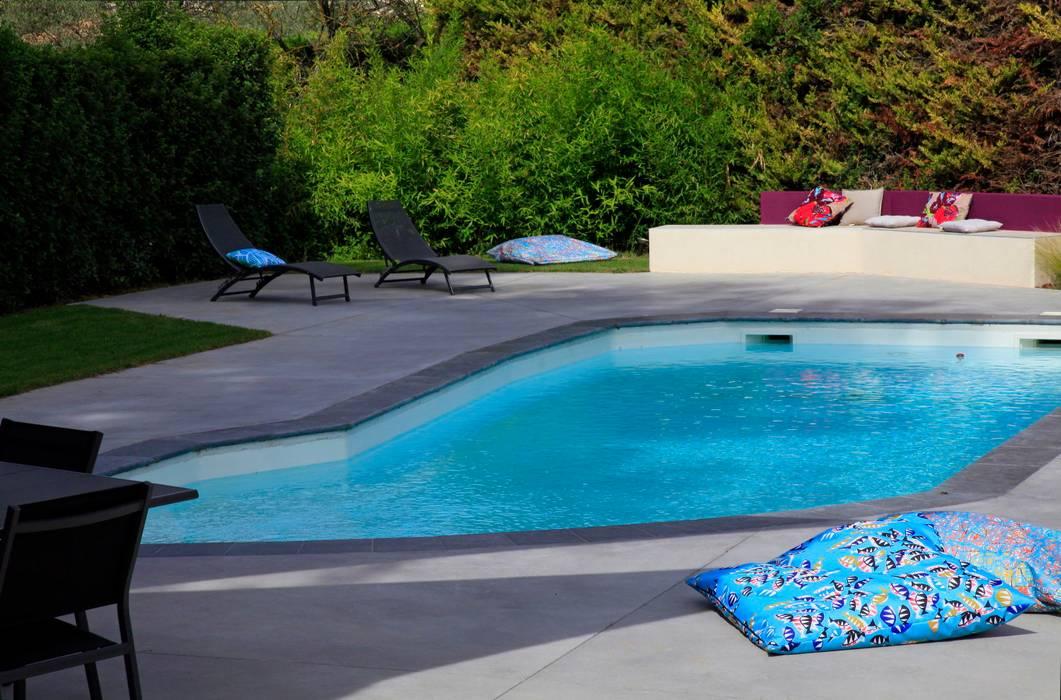 Jardin aux multiples ambiances: Jardin de style de style Moderne par CONCEPTUELLES PAYSAGE ET DECORATION