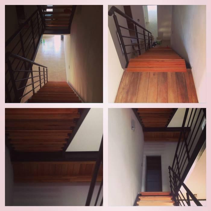 Duplex Calle Entre Ríos Pasillos, vestíbulos y escaleras de estilo moderno de Brarda Roda Arquitectos Moderno