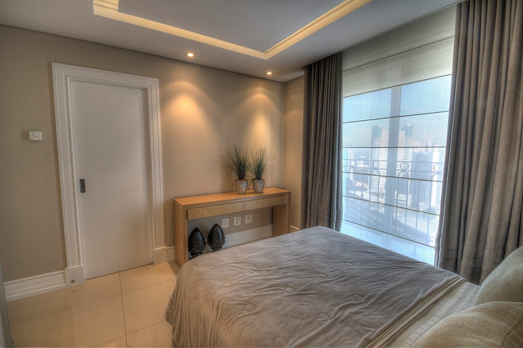 Pauline Kubiak Arquitetura Modern style bedroom Glass Beige