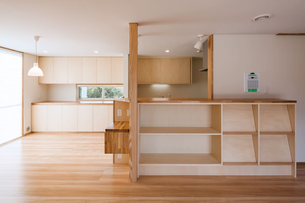 郡山・向作の家: 清建築設計室/SEI ARCHITECTが手掛けたリビングです。,モダン
