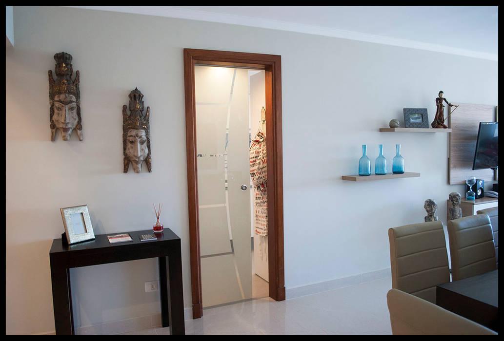 Acceso principal: Livings de estilo  por Diseñadora Lucia Casanova,Ecléctico