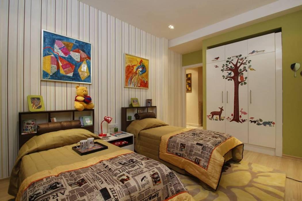 Nature-Loving Nursery:  Nursery/kid's room by Tanish Dzignz,