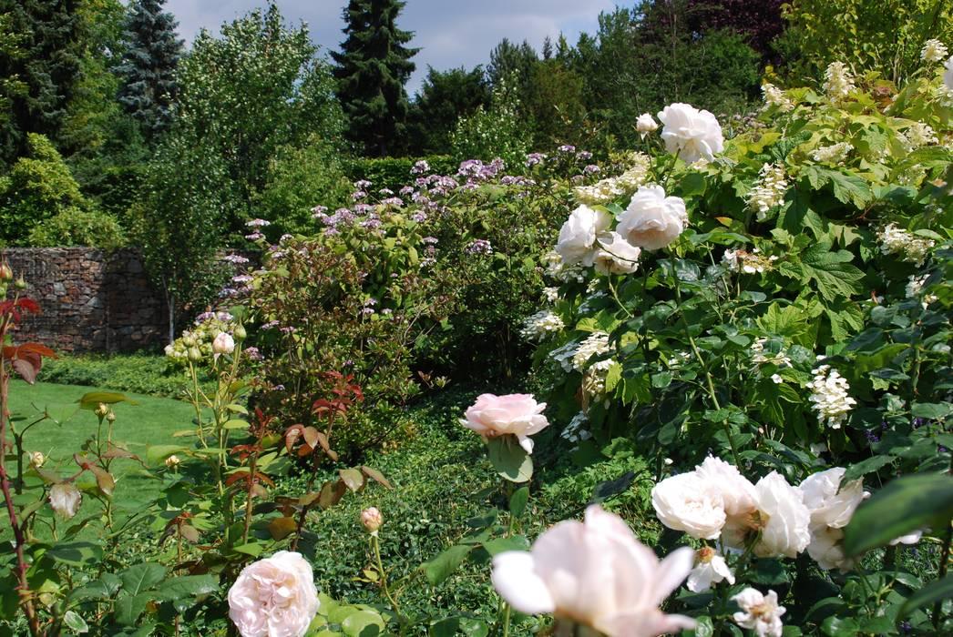 Country style garden by dirlenbach - garten mit stil Country