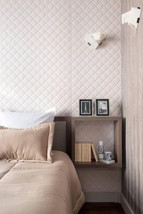 Avenue Bosquet: Chambre de style de style Moderne par Concrete LCDA