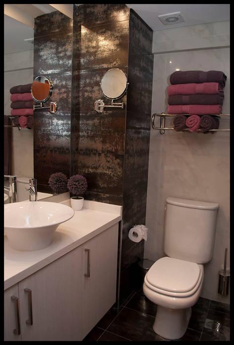 Segundo baño: Baños de estilo  por Diseñadora Lucia Casanova