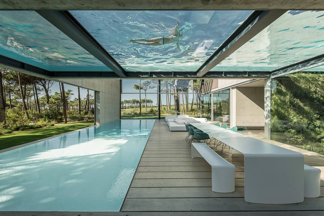 The Wall House guedes cruz arquitectos Varandas, marquises e terraços minimalistas