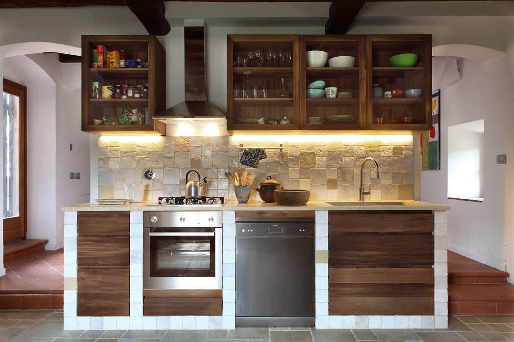 CASA A CAMPIROLI Officine Liquide Modern style kitchen