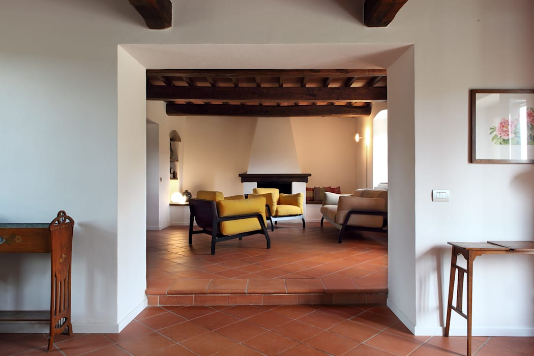 CASA A CAMPIROLI Officine Liquide Living room