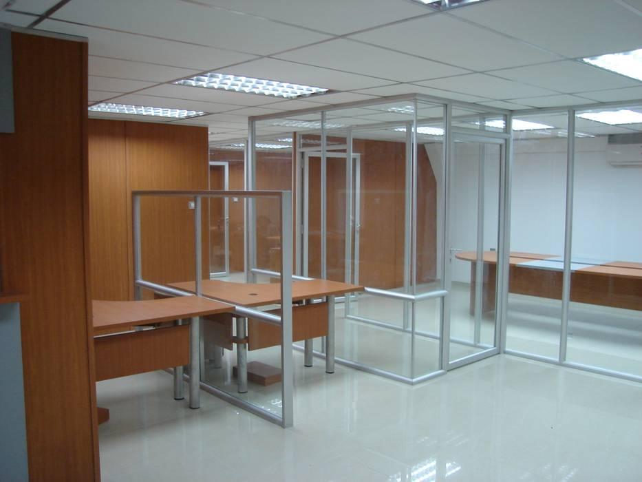 Kantor & toko oleh Forma y Espacio Arquitectos Constructores CA, Modern Aluminium/Seng