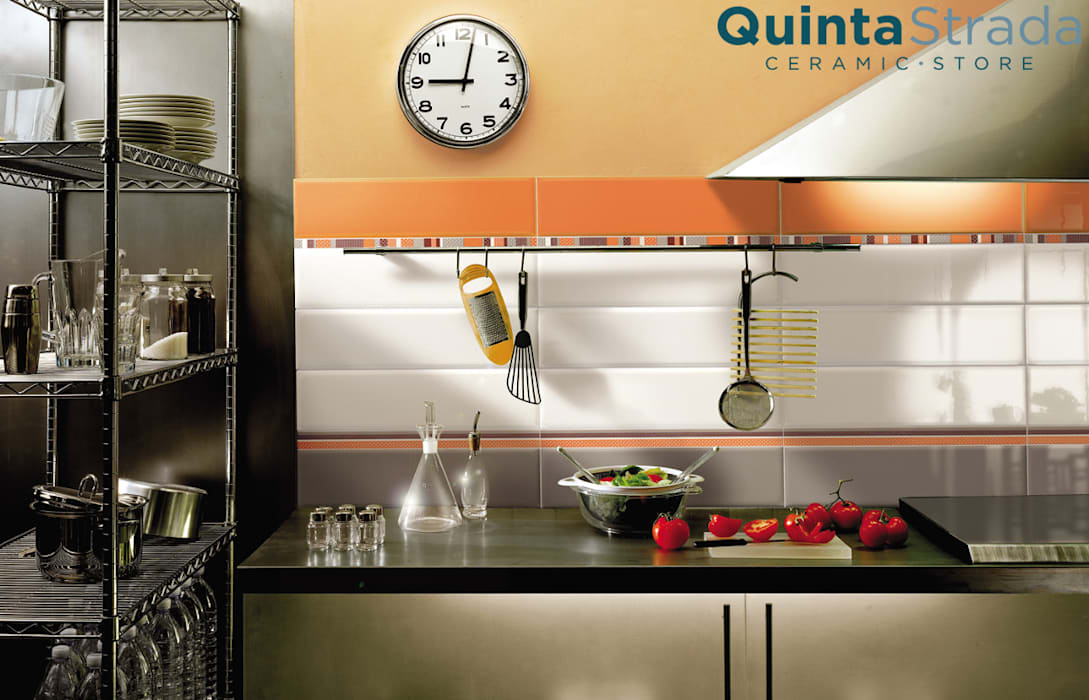 Color arancio: Cucina in stile in stile Classico di Quinta Strada - Ceramic Store