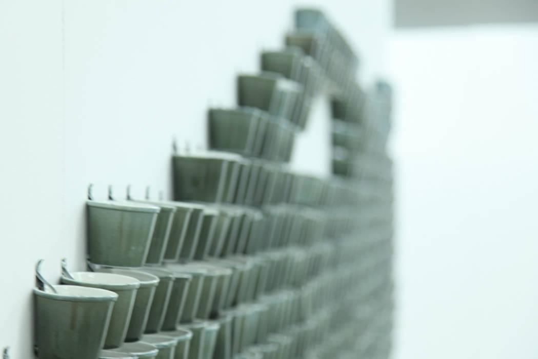 Bram van Leeuwenstein ArtworkOther artistic objects Porcelain Grey