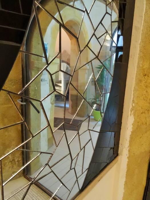 """Fresque murale """"Femme enceinte"""" - Salle d'attente du Centre Bien-naître à Narbonne: Cliniques de style  par Zam-création"""