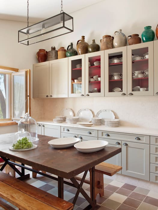 Rustic style kitchen by SA&V - SAARANHA&VASCONCELOS Rustic