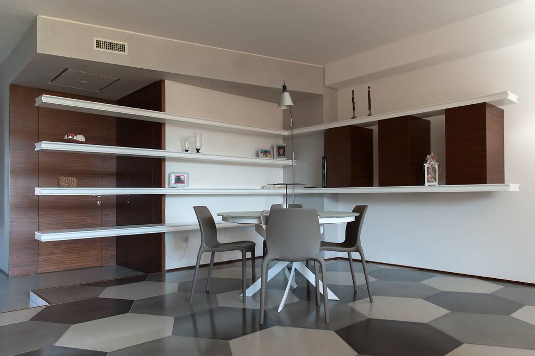 post: Sala da pranzo in stile in stile Moderno di 2bn architetti associati