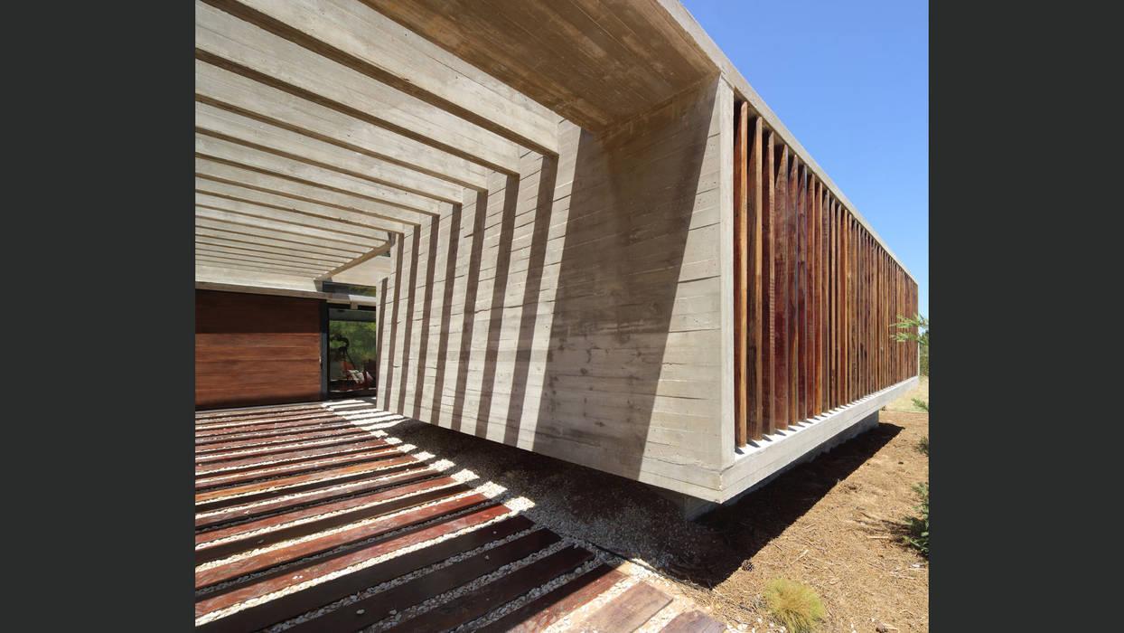 Minimalist house by homify Minimalist Concrete