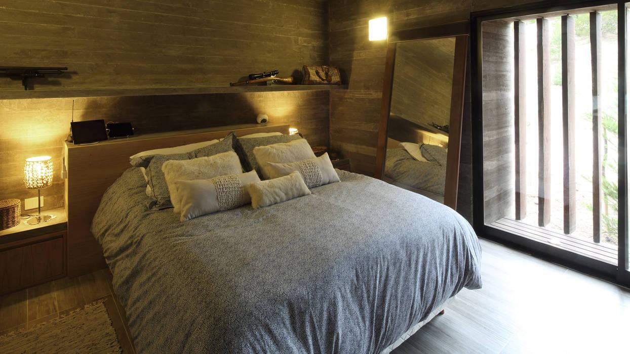 Casa S&S Dormitorios minimalistas de homify Minimalista Hormigón