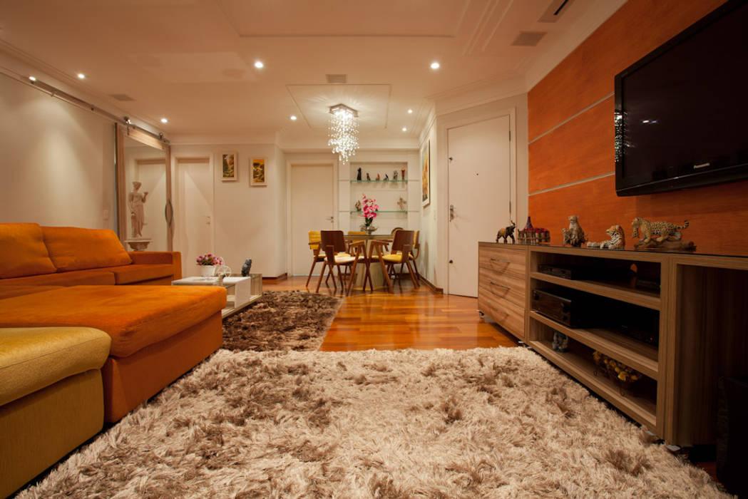 Apartamento S.C. do Sul Carmen Anjos Arquitetura Ltda. Salas multimídia tropicais Laranja