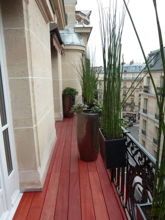 Balcones y terrazas de estilo moderno de Scènes d'extérieur Moderno