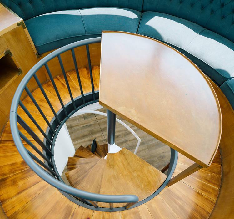 """""""Un chalet en el cielo de Madrid"""" ImagenSubliminal Pasillos, vestíbulos y escaleras de estilo moderno"""
