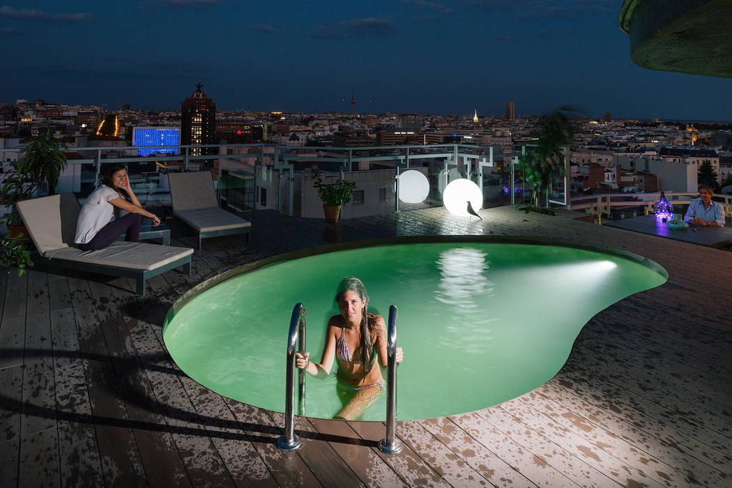 Modern Pool by ImagenSubliminal Modern