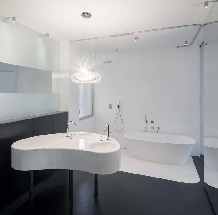Ванные комнаты в . Автор – ImagenSubliminal,