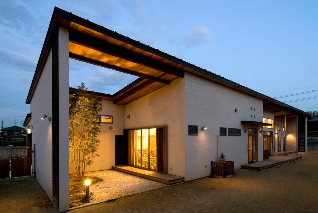 Casas estilo moderno: ideas, arquitectura e imágenes de Sakurayama-Architect-Design Moderno