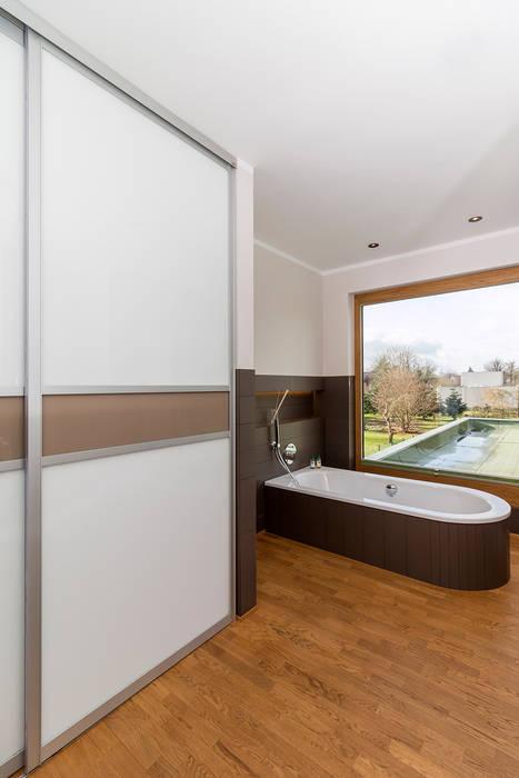 Einbauschrank im badezimmer moderne badezimmer von elfa deutschland gmbh modern holz ...