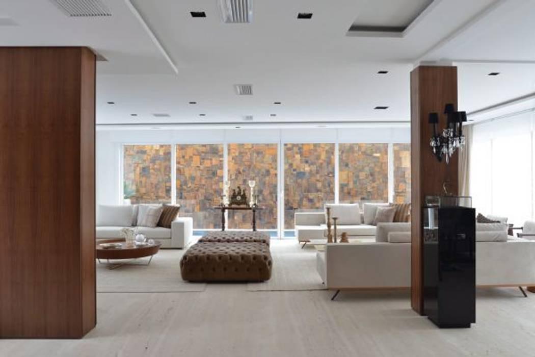 Residência Alto da Glória: Salas de estar  por Ana Letícia Virmond Projetos e Interiores,Moderno
