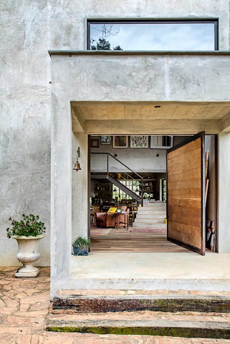 Modern Windows and Doors by Carlos Salles Arquitetura e Interiores Modern